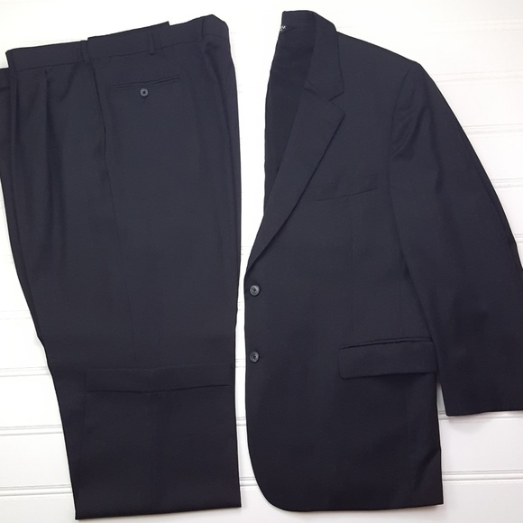 Jos A Bank Gray Suit 48R Dark Charcoal 2 Button Wo